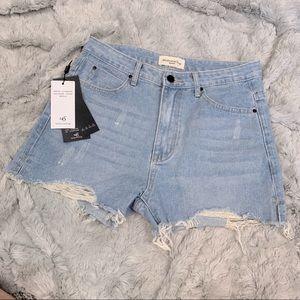 NWT MidioOnTop high waist frayed denim shorts 29